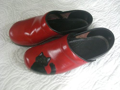 Mandee-red-CCL-clog